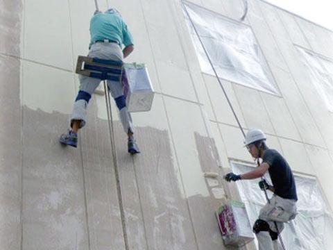 無足場工法で外壁塗装の費用を抑える